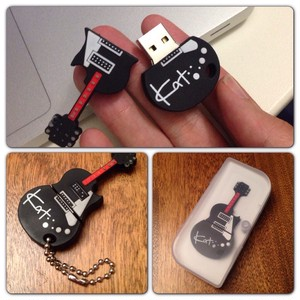 Limited Edition Guitar USB 8GB
