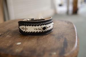 黒と白の幅広のトカゲと牛革の首輪 001