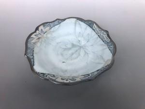 花弁抜き紋中鉢