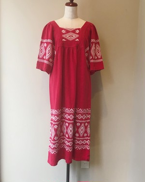 vintage embroidery onepiece