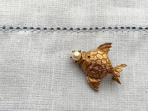 ブローチfish