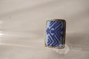 ミャオ族の刺繍と銀細工のシルバーリング