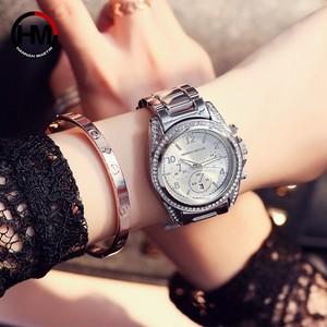 ローズゴールドトップラグジュアリーブランドの女性ラインストーン時計モントレファムカレンダー防水ファッションドレスレディース時計1107 silver