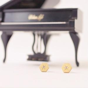 ヴィンテージスタインウェイピアノのパーツに日本の伝統技法で石を彫り留めしたヘキサゴンピアス S-024 Vintage steinway and sons piano capstan pierces with CZ (Hexagon: BLK)