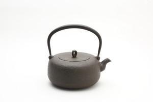 鉄瓶 平丸小肌 1.0L 岩戸賢一郎