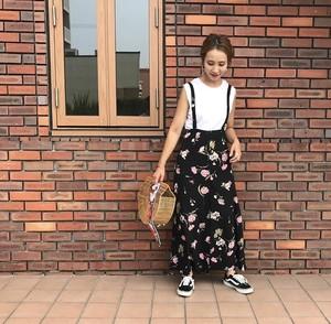サス付き花柄スカート