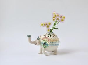 ウキウキ笑顔のゾウ花器