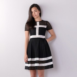 Cross Lace Dress / BLACK