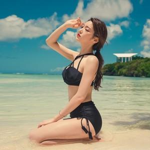 【swimwear】Hanging neck slim gather sexy swimsuit