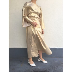 """Foil"" slitsleeve piping onepiece / gold"