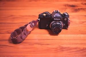 folklole mini / Hand Strap #1【ウロコのようなカメラストラップ】