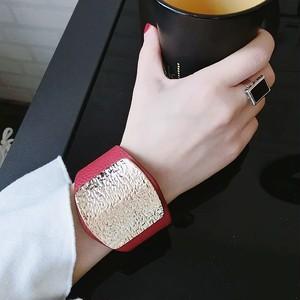 gold stone bangle