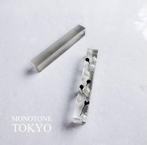 冬の森ピアス&イヤリング(モノトーン)