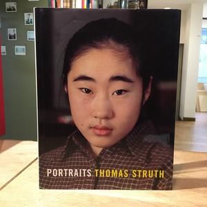 PORTRAITS / THOMAS STRUTH