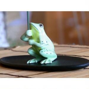 緑(薄萌葱色)カエルの香立て c208