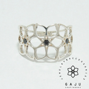 gajuvana Trinity ring (large・black CZ)