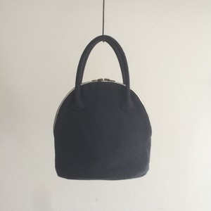 MARTAU. / shell bag XS navy