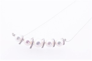 アコヤ真珠 デザインネックレス ダイヤ付