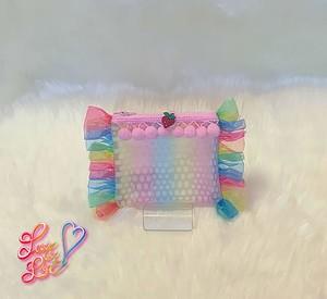 パステルグラデーションカラーのビニール Rainbow frill ポーチ(ポンポン/pink)