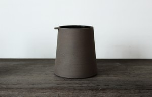 スコットランドの陶芸家【JONO SMART / ジョノスマート】Tea Mug  ティーマグカップ (BLK)