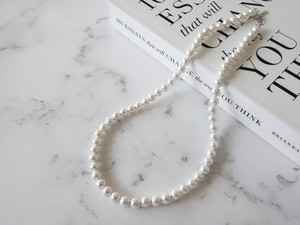 shell pearl necklace