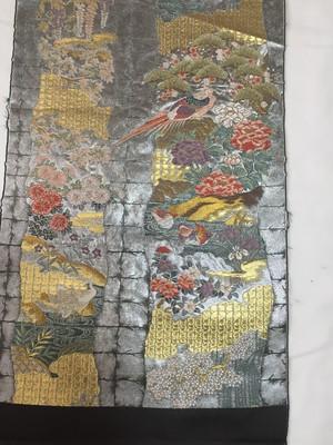 【MEDASHI】銀色引箔地 花鳥文様 西陣織帯地裂