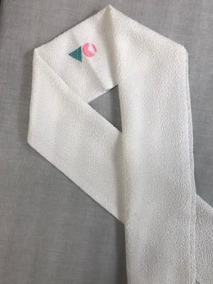 WHITE ロゴ刺繍半衿