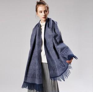 Fringe design wool scarf