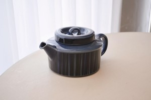 arabia blue kosmos tea pot(Ulla Procope)