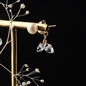 高品質ハーキマーダイヤモンドの隠れハートと淡水パールのピアス(ステンレス, アレルギー対応)