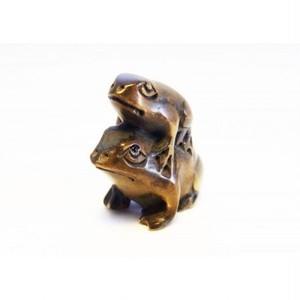柘植木彫蛙 根付けトップ おんぶカエルS knps-1702