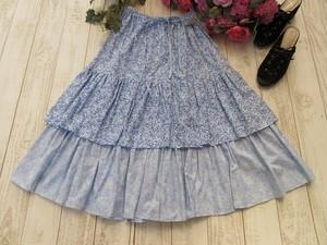 ブルー小花のロングスカート