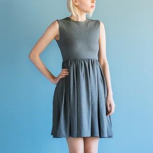Flair Fit Dress / Grey