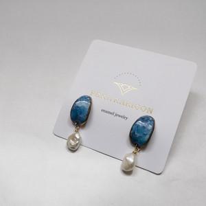 PEKI!RARIGON Peau earrings ocean blue
