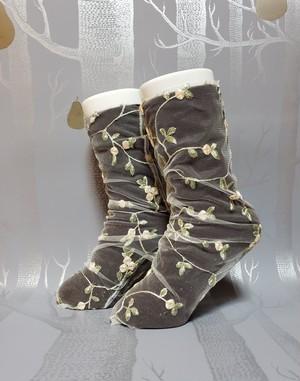 フラワーレースソックス オフホワイト/ off white lace socks 'embroidery fower'