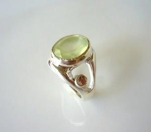 プレナイトとシャンパーンガーネットの指輪