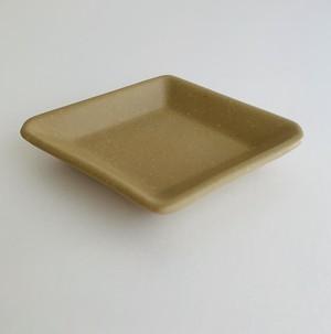 陶器 古川まみ 菱形小皿 ベージュ