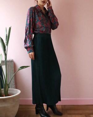 dark green pleated skirt