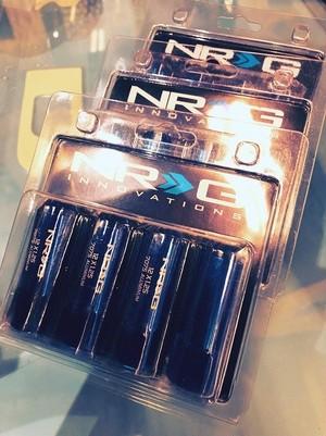 4穴用1台分セット NRG ロングナット(ロックナット付き) 12x1.25 BLUE