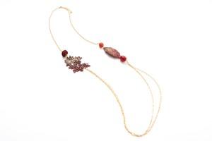 漆レース天然石ネックレス(赤系)