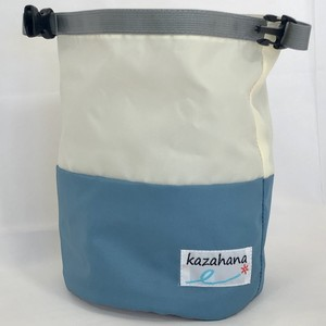 kazahanaグランドチョークバッグ  ナチュラル/ライトブルー/シルバー
