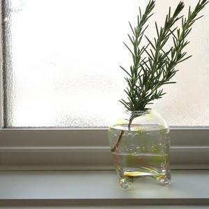 ガラス工房 Well hands. 三つ足花入れ 一輪挿し ガラス 水玉 ドット 気泡 泡 カラフル イエロー系 ウェルハンズ ガラス作家 WH-009