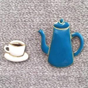 エナメルアクセサリー ブローチ コーヒーとポット2点セット blue