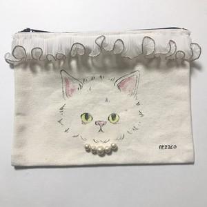 手描きポーチM(不機嫌な子猫 ホワイトリボン)
