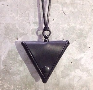 Triangle Coin Purse (Black×Black)