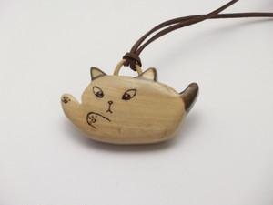 桂の猫ペンダント P1229