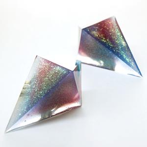 鋭角ピラミッドサーモイヤリング(デイブレイク)