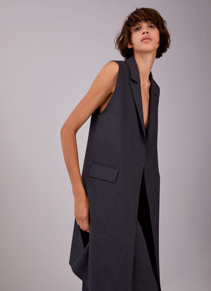 LONG WAISTCOAT WITH NOTCHED LAPELS