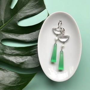 Clear green pierce / earring
