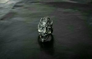 Satan ring